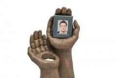 james-funeral-service-Ceramic-Statue-Urn-hand-holding-phot-frame
